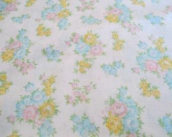 Vintage Floral Double Flat Sheet Dan River, Bedding, Linens, Fabrics, Cottage Chic, Home Decor