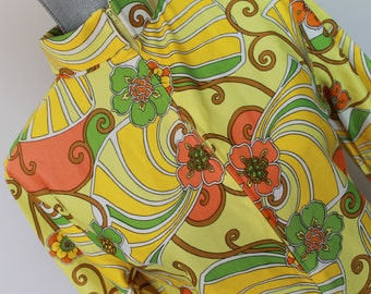 1960's Vintage Yellow Floral Dress - With Zipper - Polyester Hippie Dress - Flower Child Dress - Made in Japan Funky Frock