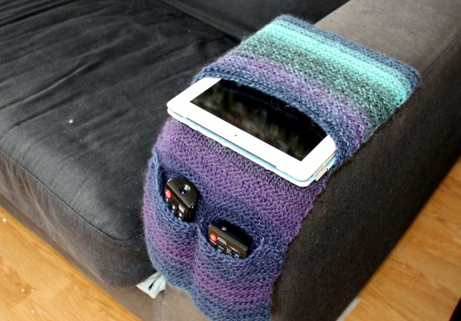 Knitting Pattern Remote Control Holder : Knitting Pattern Instant Download PDF Remote Control Caddy