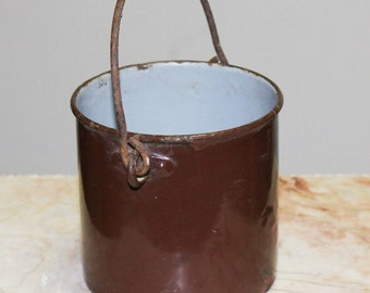 Small pot metal enamelled, Brown, 1950s, France