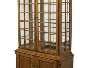 """THOMASVILLE The American Oak Collection 50"""" Lighted Display Cabinet 18921-410"""