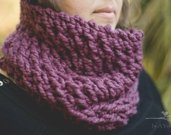 Purple Cowl, Infinity Cowl, Chunky Cowl, Purple Scarf, Winter Cowl, Chunky Lace Scarf, Knit Lace, Crochet Lace, Winter Accessories, Scarf
