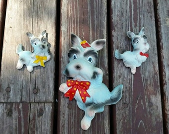 Vtg Kitsch Chalkware Scottie Dog family, made in Japan. The cutest wall plaques ever Circa 1960. Schnauzer love.