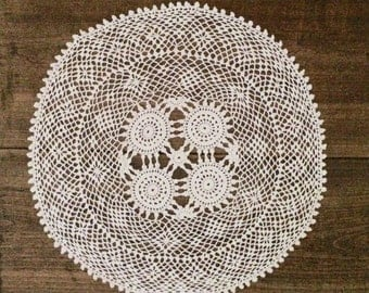 Doily lace bursting white crochet 36 cm