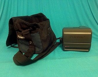 Polaroid One Step Close Up 600 Instant Color Film Camera with Carry Case