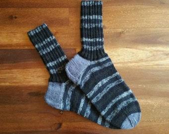 Schwarze Socken, gestrickte Socken, Socken für Männer, Wollsocken, einzigartige Socken, Wintersocken, warme Socken, kalte Füße Socken, graue Socken, warme Füße