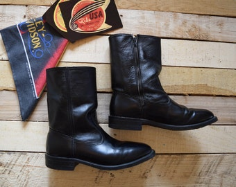 Vintage Men's 9 D <> WORK N' SPORT Trooper Black Leather Boots <> Side Zip Motorcycle Boots <> Square Toe