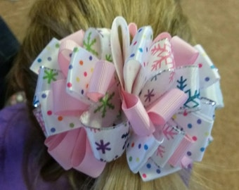 Winter loopy bow