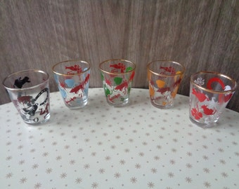 Vintage Mid Century kitsch set of 5 lucky Charm design shot/tot glasses. Barware