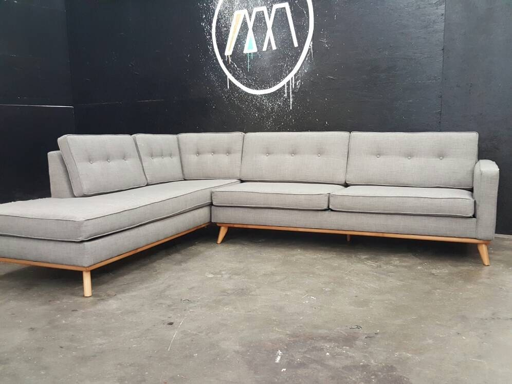 Mid century modern sectional chaise sofa for Modern sectional sofas