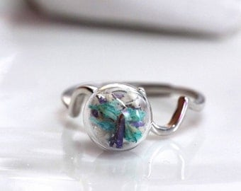 10 MM Died flower in Glass ball ring