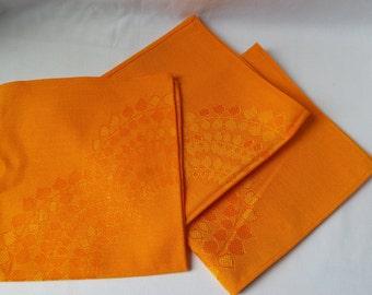 Orange vintage napkins / 1970 / retro linen / retro table decoration.