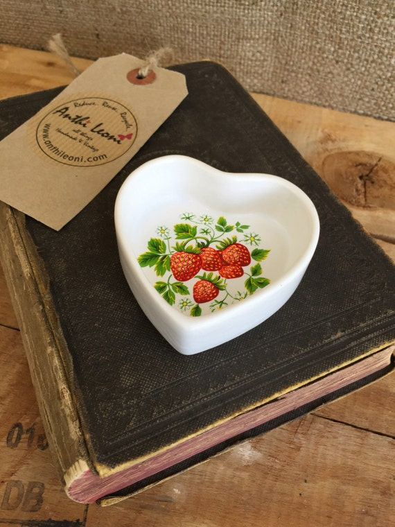 Heart Shaped Trinket Dish With Pretty Strawberry Pattern - Heart Shaped Ring Dish - Heart Pin Dish - Strawberry Pattern Ceramic Dish