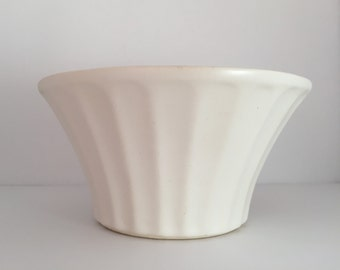 Vintage Planter--Matte Ivory Glazed Planter--McCoy Econo Line Planter--Fluted Planter--Art Pottery Planter--Fluted Bowl--Succulent Planter