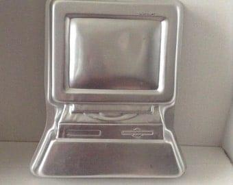 Vintage computer cake pan