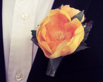 Groom's Boutonniere - Yellow Ranunculus