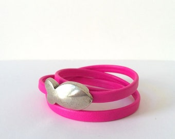 Bracelet pink fluor with fish