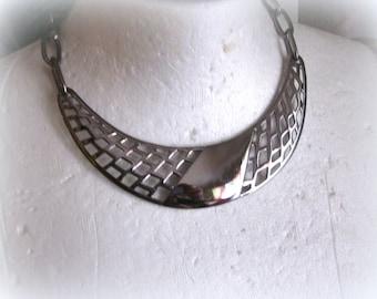 M. Jent Crescent Moon Necklace Silver Metal Vintage 80s Retro bib Necklace
