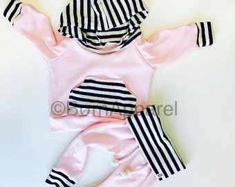 BABY GIRL outfit / Baby girl clothes / baby outfit / coming home outfit / pink / newborn baby girl / girl toddler / hospital outfit / baby