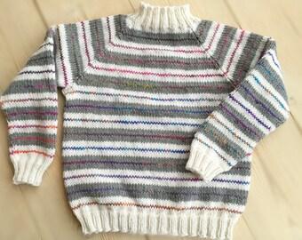 Strikkemønster: Hvid-grå-color strib trøje-2-3 år