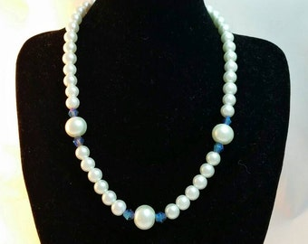 Pearl necklace White pearls necklace Bridal jewelry Bridesmaid jewelry Pearls Free shipping