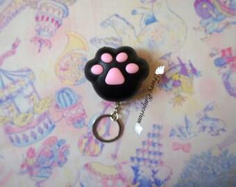 Kitty paw - keychain BLACK