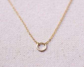 Dainty Circle Necklace / Simple Gold Layering Necklace / Bridesmaid/Birthday Gift Idea