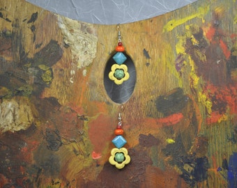 Yellow Etcetera Daisy Earrings - 019