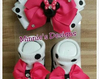 Minnie Mouse Baby headband and socks , Minnie mouse baby, Minnie mouse baby shower,  Minnie mouse baby gifts , Minnie mouse bow, Minnie mous