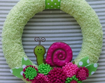 Snail Wreath, Green Yarn Wreath, Felt Flower Wreath, Pink and Green Snail Wreath