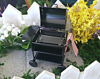 Miniature Deluxe Barbecue Grill