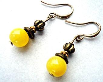 Retro earrings, yellow gold & lemon