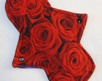 "10"" regular cloth pad in red rose cotton lycra"