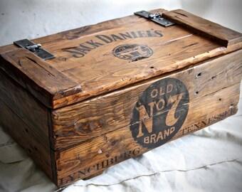 Jack Daniel's wood box vintage style