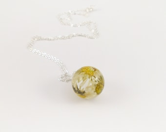 Blossom chain Daisy ball