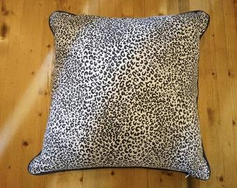 Cushions grey leopard 50 x 50
