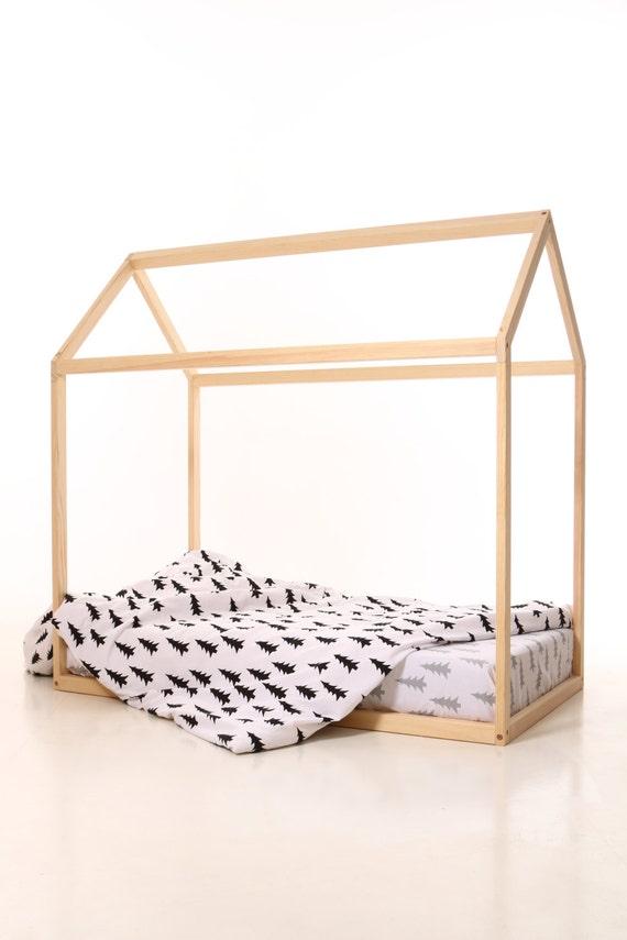 70 x 140 cm kinder kinderzimmer bett holzhaus. Black Bedroom Furniture Sets. Home Design Ideas