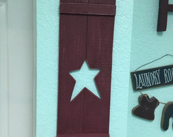 Primitive  Picket Shutter Shelf With Star Cutout Shutter - Burgundy and Distressed