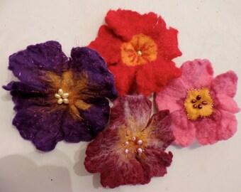 Primrose felt flower pin