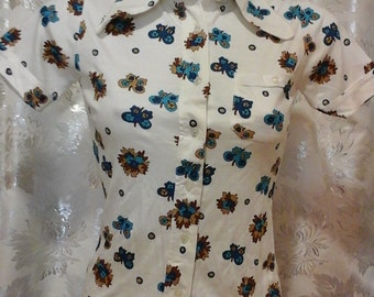 flowerpower blouse new from the seventies tricot jersey brand Novita size xs s pointed collar 1960s vintage new condition womans clothing