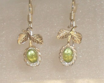 pair of earrings 925 Silver earrings and peridot