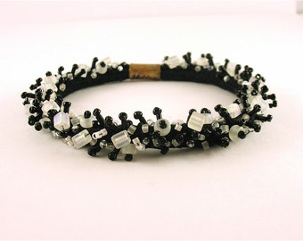 Black and White- Beaded soft bracelet