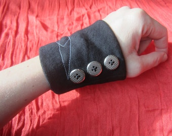 Button Cuff | smaller | Cuff Bracelet | Fabric Wrist Cuff
