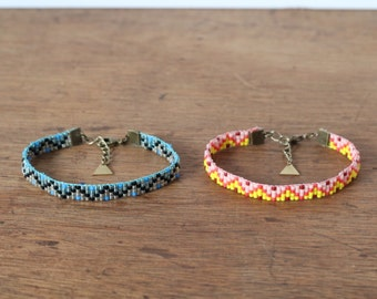 Bracelet woven hand beaded Peyote, motif geometric zigzag yellow/pink or blue/turquoise, ethnic chic bohemian, Made in Paris