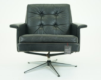307-096 SALE! Danish Mid Century Modern Black Leather Swivel Lounge Armchair Chair