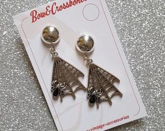 Mara spider web earrings - silver