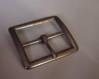 silver belt buckle- simplistic design- make a belt or upcycle