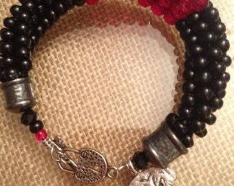 Georgia Bulldog (go dawgs) Kumihimo Bracelet.  UGA Jewelry.