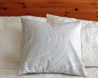 Foxberry Spring Pillow Cover - Taupe Paisley