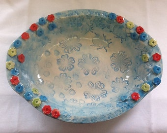 Flower and bug oval dish